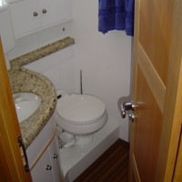 custom marine bathroom 2